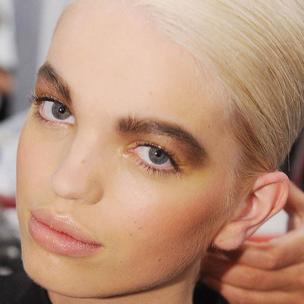 The Ultimate Beauty Guide to Big Bold Eyebrows
