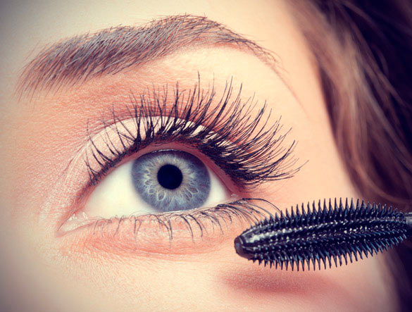 How to Thicken Eyelashes for a Smashing Eye Makeup