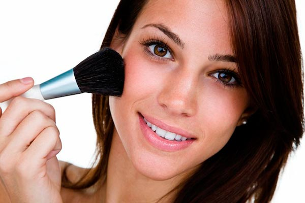 Makeup Application Tips for Girls With Acne-Prone Skin