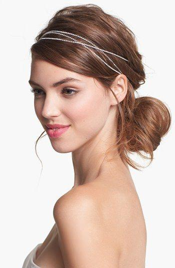 Lovely Hair Accessories to Opt For This Season