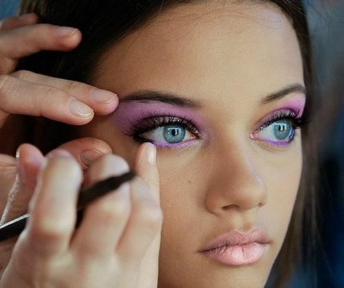 Eyeliner Tips for Blue Eyes