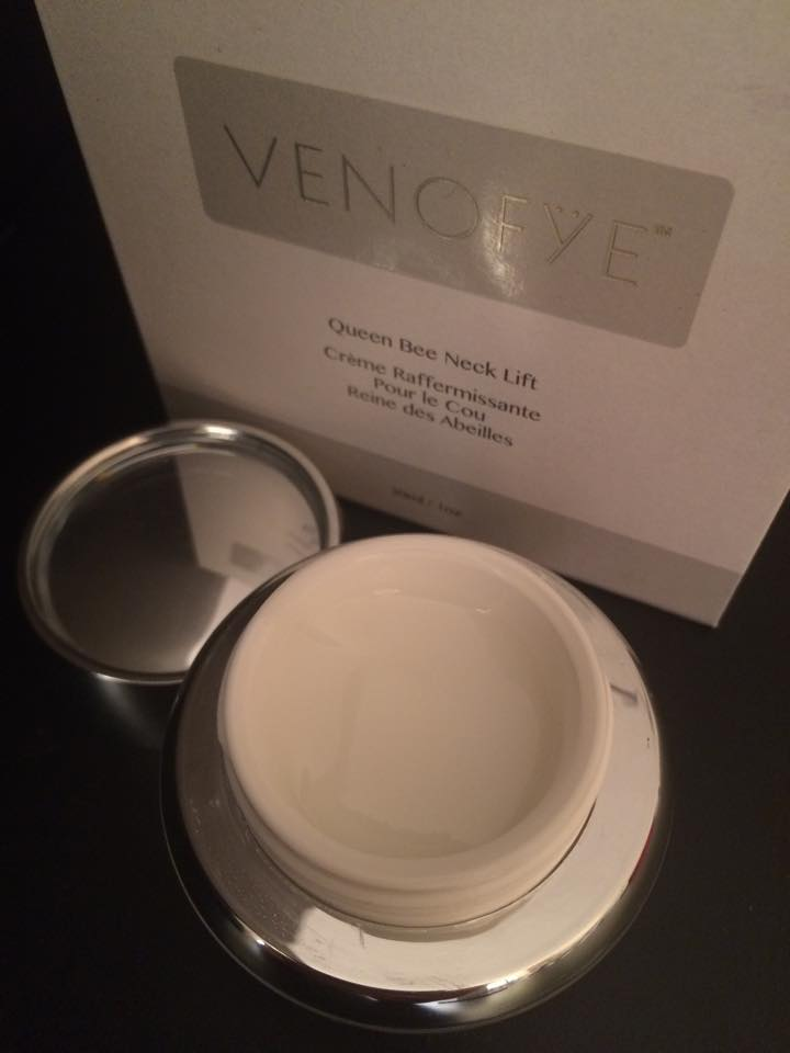 Venofye Queen Bee Neck Lift open